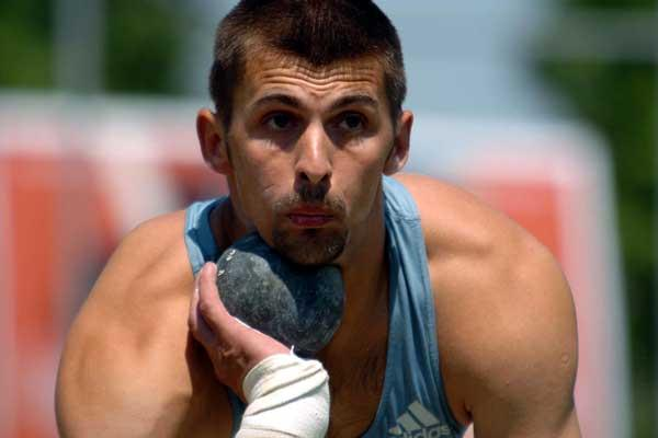 Russian Alexandr Pogorelov won the Shot Put (16.03 PB) in Götzis 2005 (Hasse Sjögren)