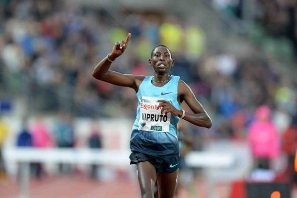 Conseslus Kipruto at the 2013 IAAF Diamond League meeting in Oslo (Jiro Mochizuki)
