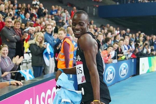 Nijel Amos celebrates after winning the 800m at the 2014 Commonwealth Games (Getty Images)