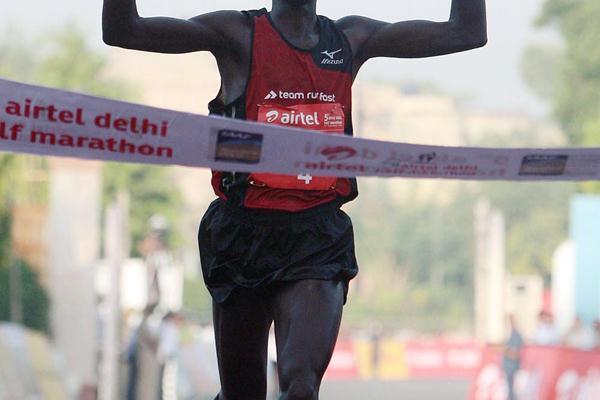 Edwin Kipyego wins the 2012 Airtel Delhi Half Marathon  (organisers)