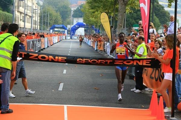 Pamela Chepchumba wins in Porto (LOC)