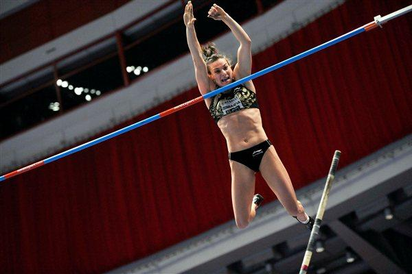 5.01m in Stockholm - another World record for Yelena Isinbayeva (Anders Sjogren / DECA Text&Bild)