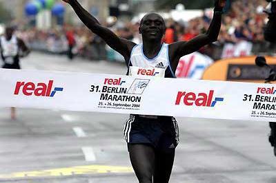 Felix Limo wins in Berlin (Victah Sailer)