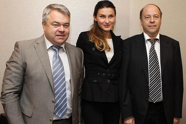 Mikhail Butov, Anna Chicherova and Alexsander Polinsky at the Moscow 2013 press conference in Barcelona  (Giancarlo Colombo )