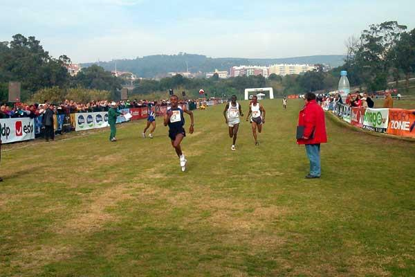 Tariku Bekele beats Paul Tergat in Oeiras (Costa)