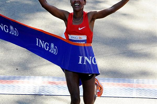 Firehiwot Dado clocks a 2:23:15 personal best in New York (Getty Images)