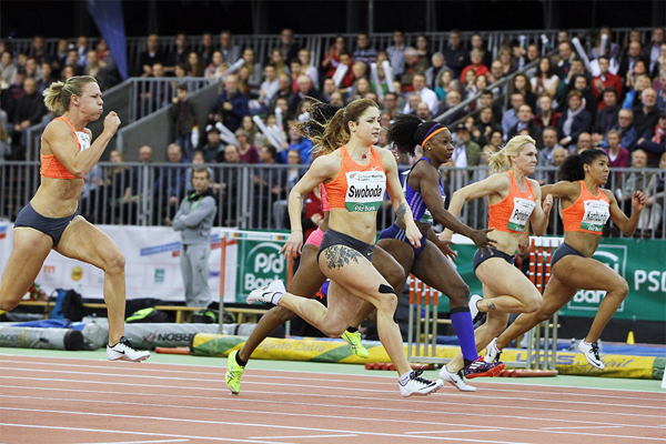 Ewa Swoboda on her way to winning the 60m (Jean-Pierre Durand)