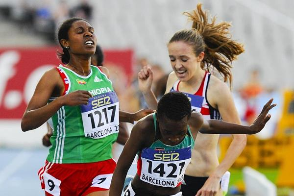 Kenya's Mercy Chebwogen winning the 3000m at the 2012 IAAF World Junior Championships (Getty Images)