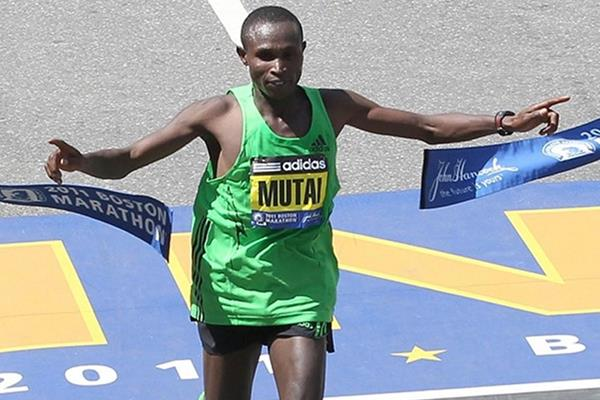 Geoffrey Mutai stuns with a jaw-dropping 2:03:02 run in Boston (Getty Images)