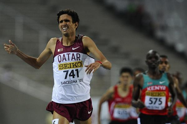 Qatar's Hamza Driouch holding off Kenya's Hillary Ngetich to win the 2012 IAAF World Junior Chamionships 1500m title (Getty Images)