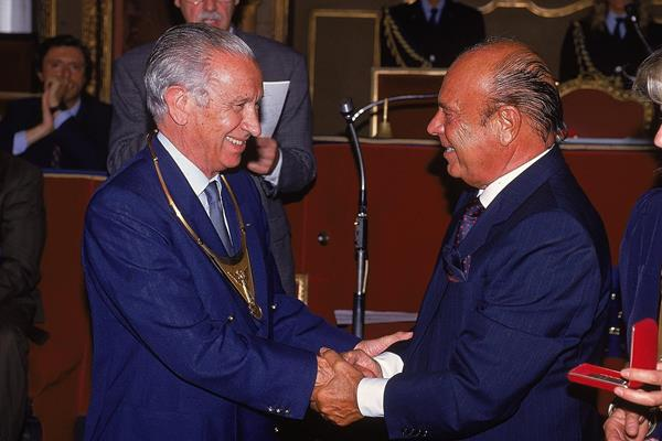 IOC President Juan Antonio Samaranch and IAAF President Primo Nebiolo at the 1992 Mobil Grand Prix Final in Turin (Getty Images)