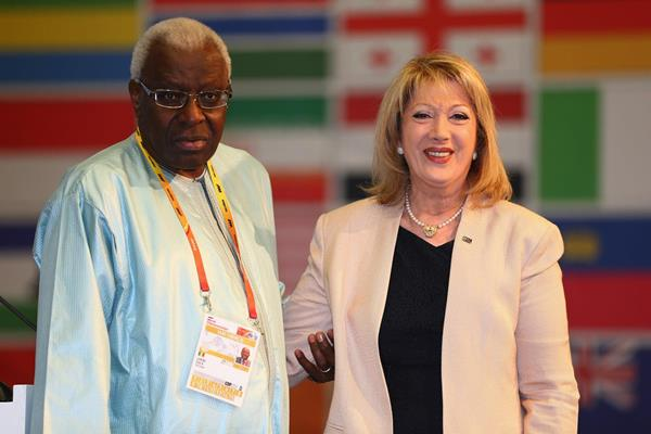 Claire Chehab receives an IAAF Veteran Pin at the 49th IAAF Congress in Moscow (IAAF)