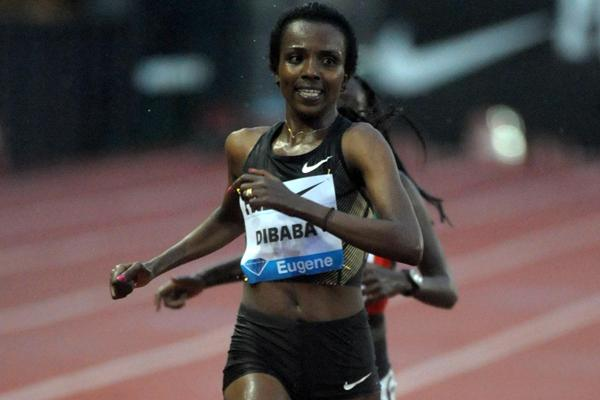 Tirunesh Dibaba wins the 10,000m in Eugene (Kirby Lee - Image of Sport)