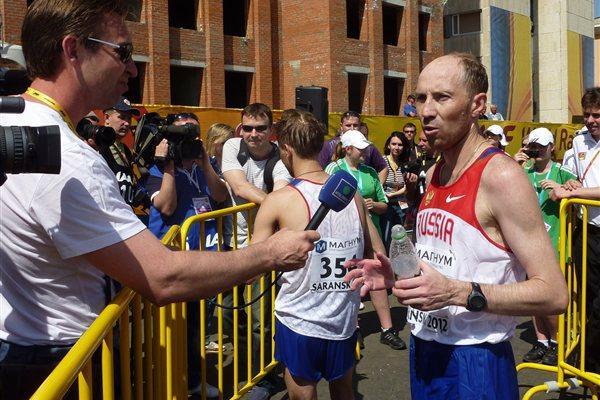 Winner of the 50km Race Walk in Saransk, Sergey Kidyapkin during the post event interviews (IAAF)