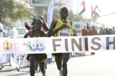 Patrick Makau Musyoki snatches win in Ras Al Khaimah in 2008 (Victah Sailer)