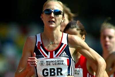 Paula Radcliffe running in the 3000m in Portugal (Mark Shearman)