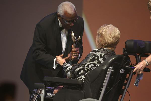 IAAF President Lamine Diack and IAAF Hall of Fame member Betty Cuthbert at the IAAF Centenary Gala in Barcelona (Giancarlo Colombo)