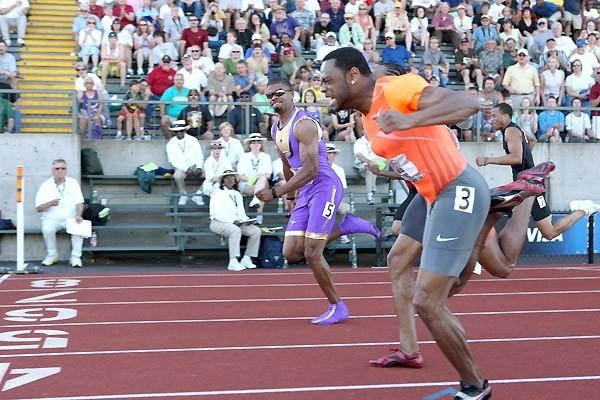 David Payne (nearside) just beats Terrence Trammell (far side) at the 2009 USA Champs 110m Hurdles final (Victah Sailer)