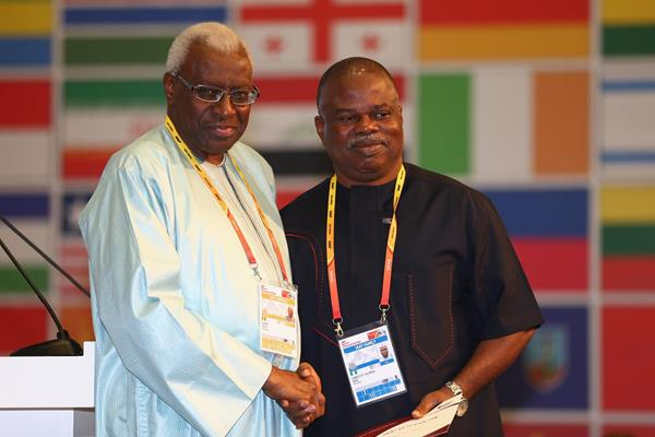 Solomon Ogba receives an IAAF Veteran Pin at the 49th IAAF Congress in Moscow (IAAF)