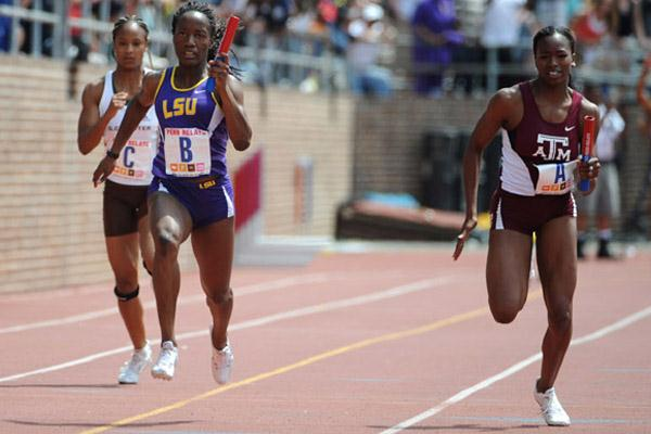 Kelly-Ann Baptiste (LSU) and Gabby Mayo of Texas A&M in 4x100m Relay (Kirby Lee)