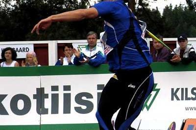 Tero Pitkämäki throwing in Kuortane, Finland (Paula Noronen)