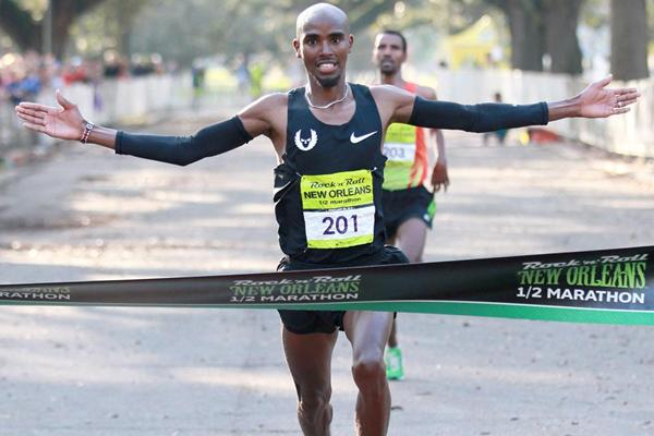 Mo Farah wins in New Orleans (Victah Sailor)