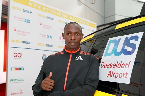 Duncan Kibet ahead of the 2013 Dusseldorf Marathon (Victah Sailer / photorun.net - organisers)