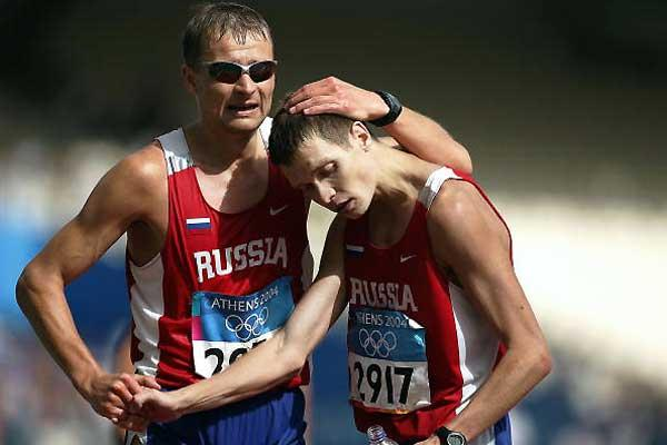 Aleksey Voyevodin (bronze) and Denis Nizhegorodov (silver) - 50km Athens Olympics (Getty Images)