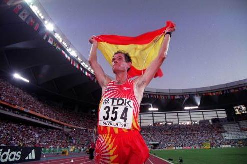 Abel Anton celebrating victory (© Allsport)