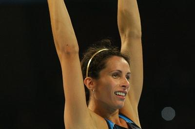 Jenn Stuczynski takes the silver medal in the pole vault (Getty Images)