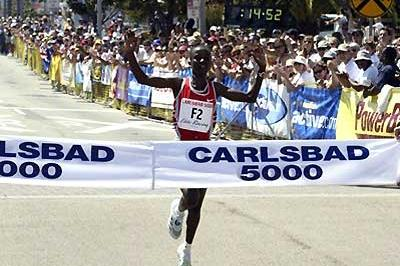 Kenya's Isabella Ochichi winning in the Carlsbad 5km (14:53). (Victah Sailer)