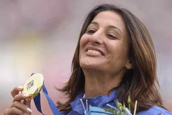 Maria Guida with gold medal (Getty Images Allsport)