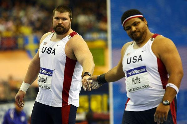 Reese Hoffa congratulates shot winner Christan Cantwell (Getty Images)