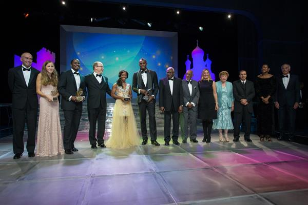 The award winners at the 2013 World Athletics Gala (Philippe Fitte)