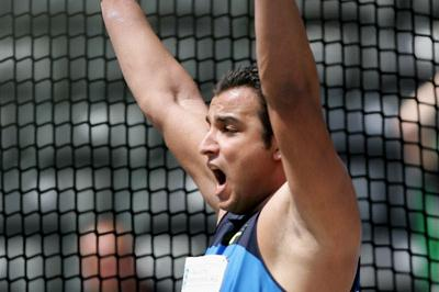 Ehsan Hadadi sets an Asian record in the discus (Getty Images)