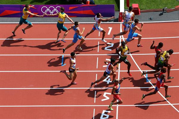 Baton handover from 2nd to 3rd leg during the Men's 4 x 400m Relay Round 1 heats of the London 2012 Olympic Games on August 9, 2012 (Getty Images)