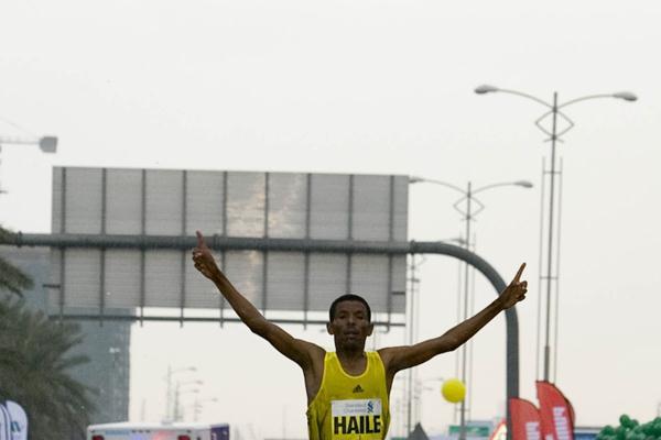 Gebrselassie reaches the Dubai finish (organisers)