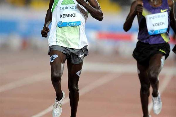 Ezekiel Kemboi kicks to victory in Doha (Jiro Mochizuki)