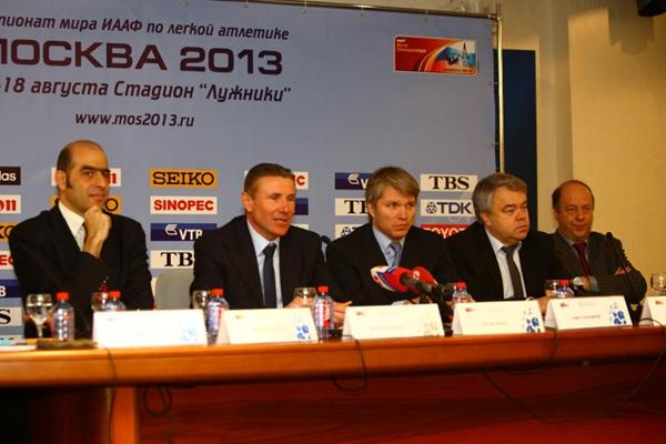 IAAF Vice President Sergey Bubka addressing the media in Moscow; left to right: Essar Gabriel, Sergey Bubka, Pavel Kolobkov, Mikhail Butov, Alexander Polinsky (Moscow 2013 LOC)