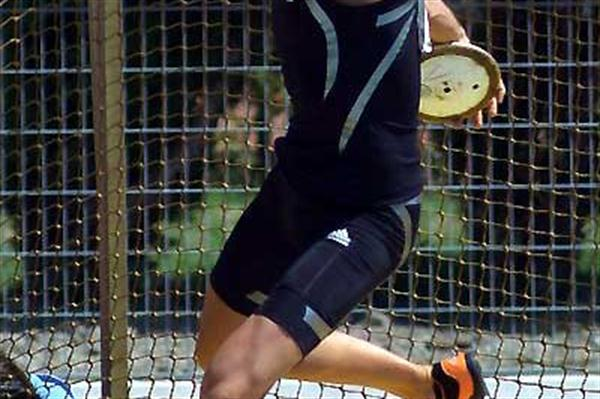 Romain Barras (FRA) throwing the Discus in Arles (Lorenzo Sampaolo)