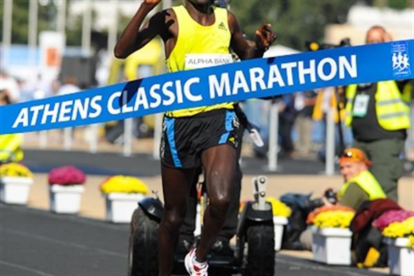 Paul Bett wins the 2010 Athens Classic Marathon (Bruce Wodder)