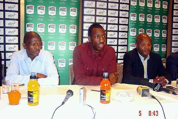Banele Sindani,  Michael Johnson , Leonard Chuene at the South African clinic press conference (Mark Ouma)