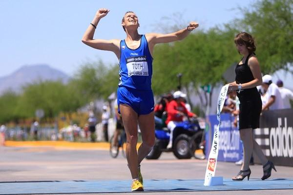 Matej Toth of Slovakia celebrates winning the men's 50km race in Chihuahua (Getty Images)