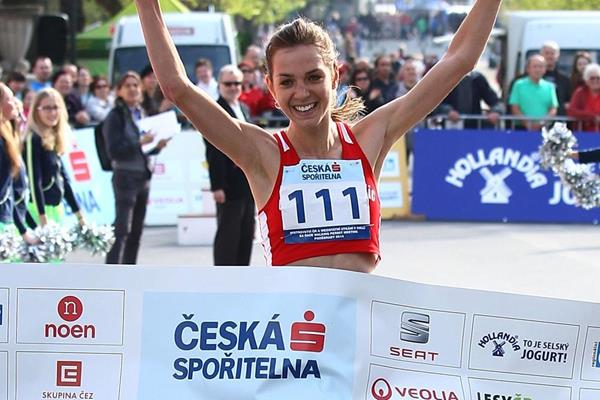 Anezka Drahotova winning at the 2014 Podebrady race (Jan Kucharcik / atletika.cz)