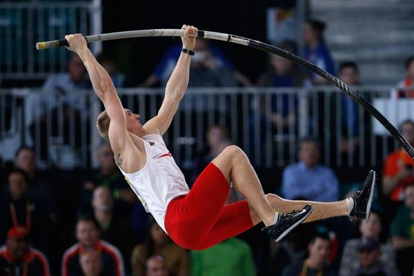 Piotr Lisek in the pole vault at the IAAF World Indoor Championships Portland 2016 (Getty Images)
