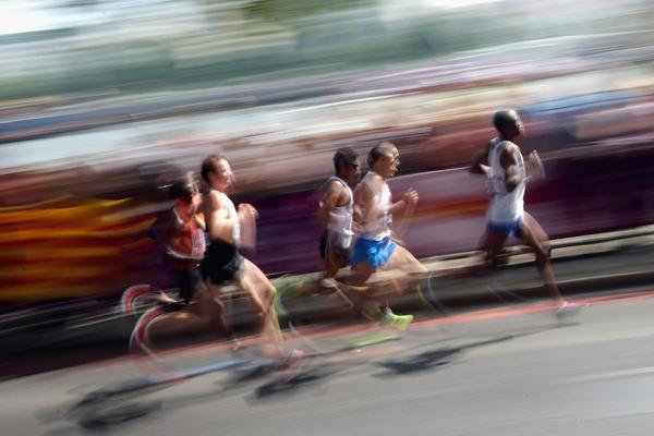 Road runners in action (Getty Images)