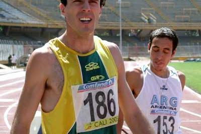 Brazilian Fabiano Peçanha (BRA) after his 800m win - South American Champs (Luis Alfonso Ramirez)