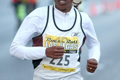 Werknesh Kidane on the way to her command performance in the Las Vegas Half (Victah Sailer)