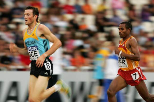Craig Mottram en route to his successful World Cup defense in Athens (Getty Images)