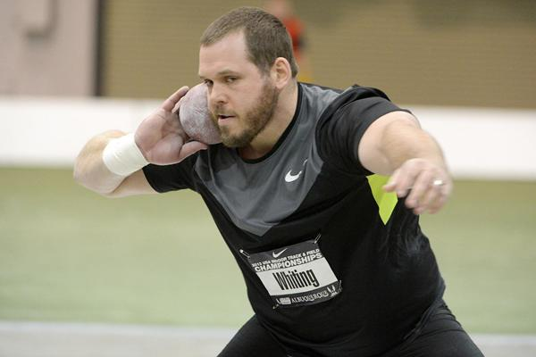 Ryan Whiting throws a world-lead of 21.80m at the US Indoor Championships (Kirby Lee)